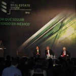 09 mayo 2012 AMLO en el evento -The Real Estate Show 2012      de la ADI 6