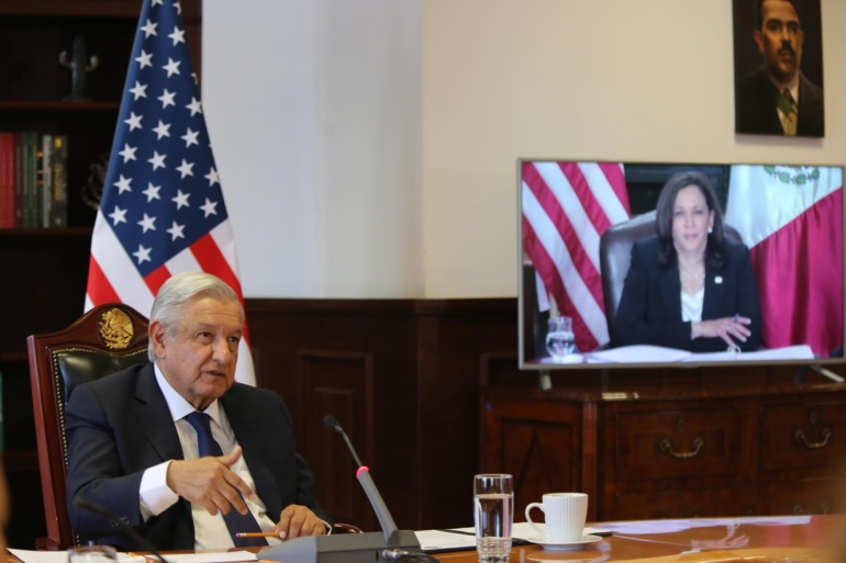 07MAY21-Presidente-AMLO-llamada-con-vicepresidenta-Harris-04